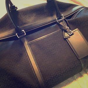 Coach women's designer Duffle Bag/tote Black!